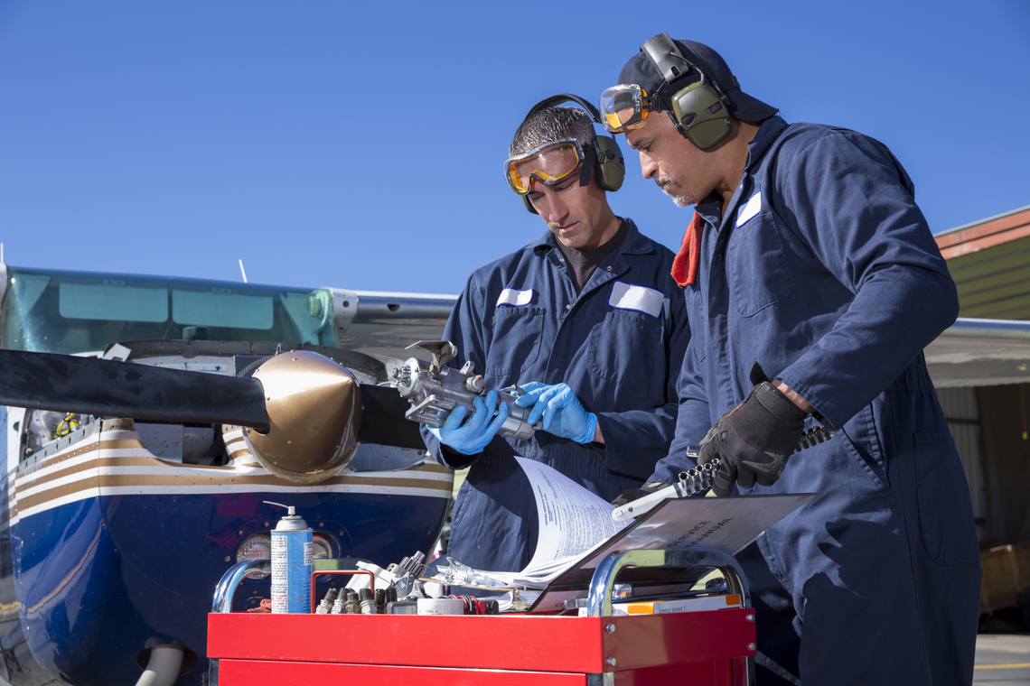 a career field description of an aeronautical engineer Aeronautical engineer: job description aeronautical engineers design, develop, manufacture, maintain and modify military and civil aircraft, aeronautical components and associated systems engineering employers typically seek graduates with an meng in relevant engineering disciplines.
