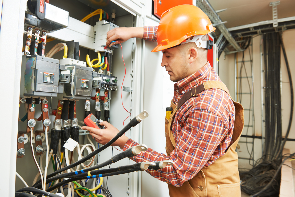 What Can You Expect From A Job As An Electrician Careerbuilder Wiring Money Dangers Responsibilities
